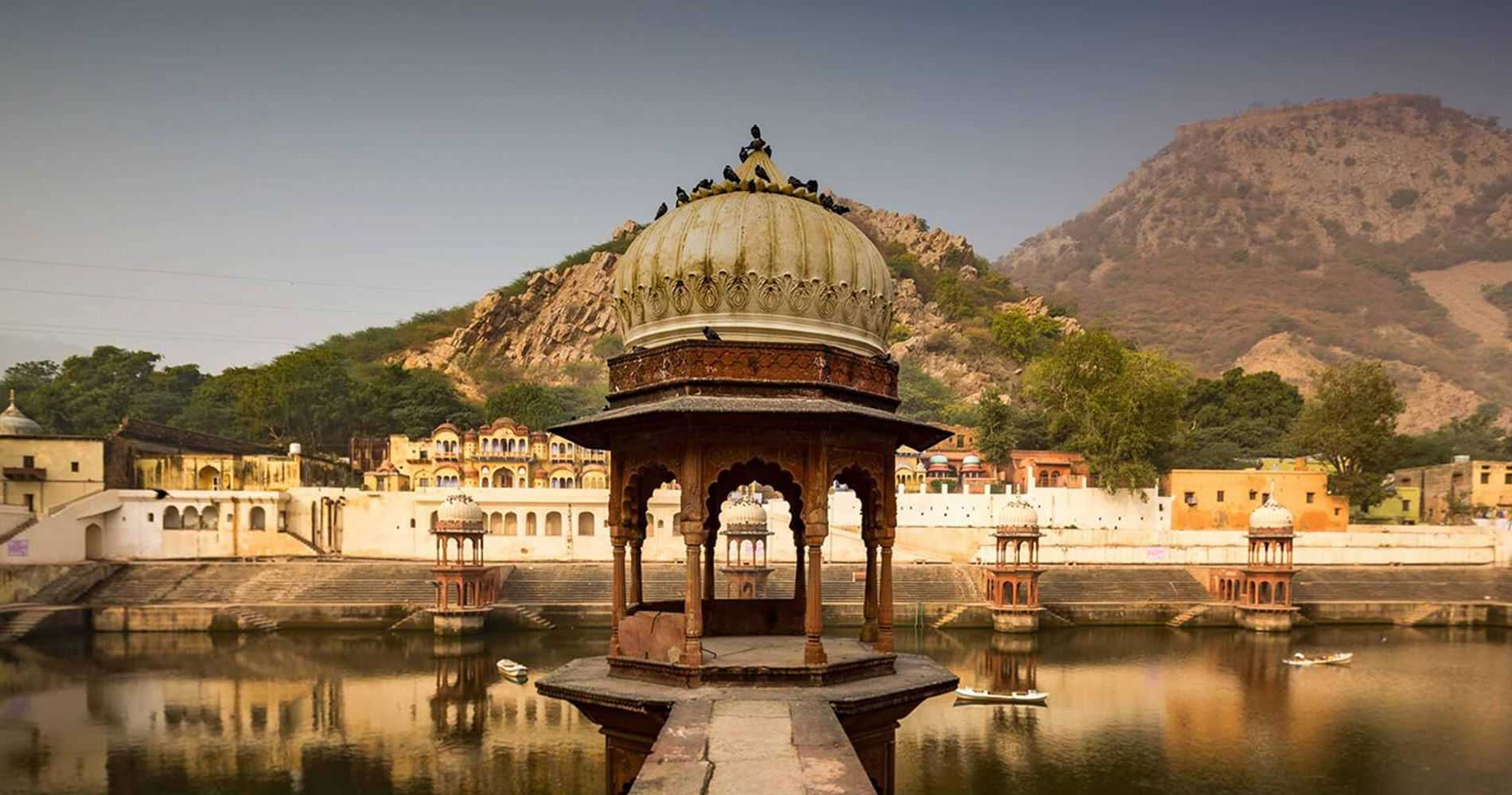 Visit some of the best beautiful and amazing lakes of Rajasthan